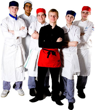 Kitchen staff uniform can be customized with your personal logo or design to increase brand value with professional custom clothing.